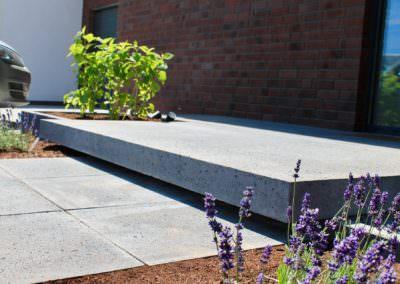 Beemelmans Garten & Landschaftsbau in Goch | Moderne Stufen aus Stein